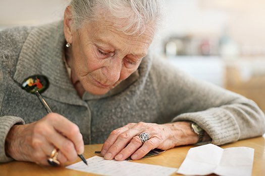 Advice for Older Adults Who Want to Write an Autobiography in Dayton, OH